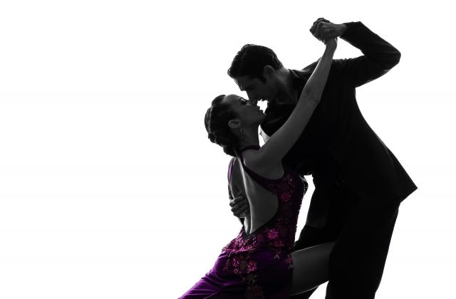 мне картинка на аву танцующая пара может устоять перед