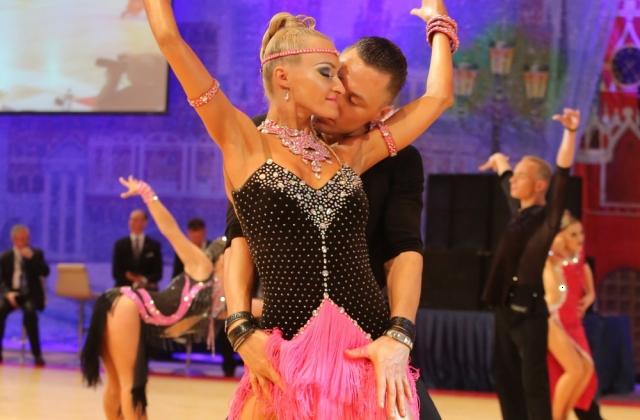 Лучшая Школа танцев Данс Класс Москвы  бальные